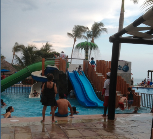 BARCELÓ HUATULCO, WATER PARK