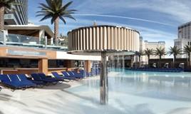 Cosmopolitan Vegas, Boulevard Pool